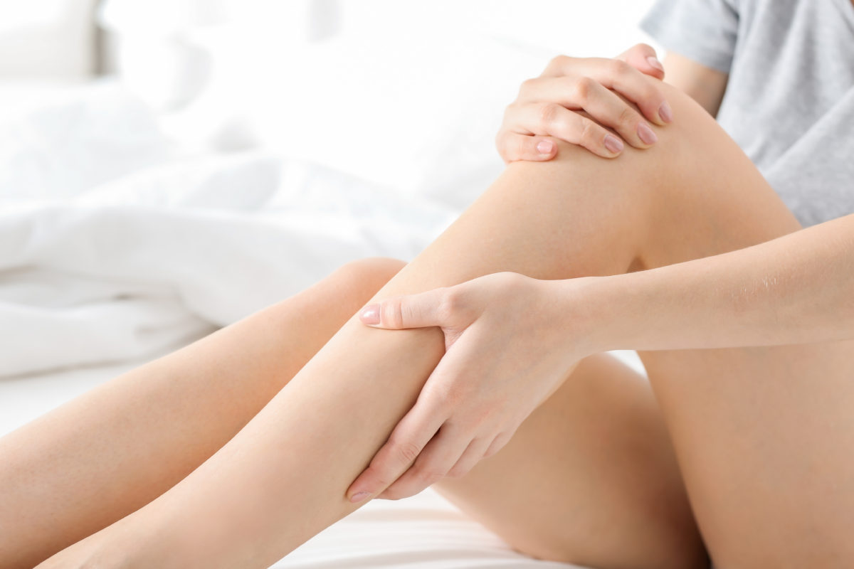 hands on legs with inflammation