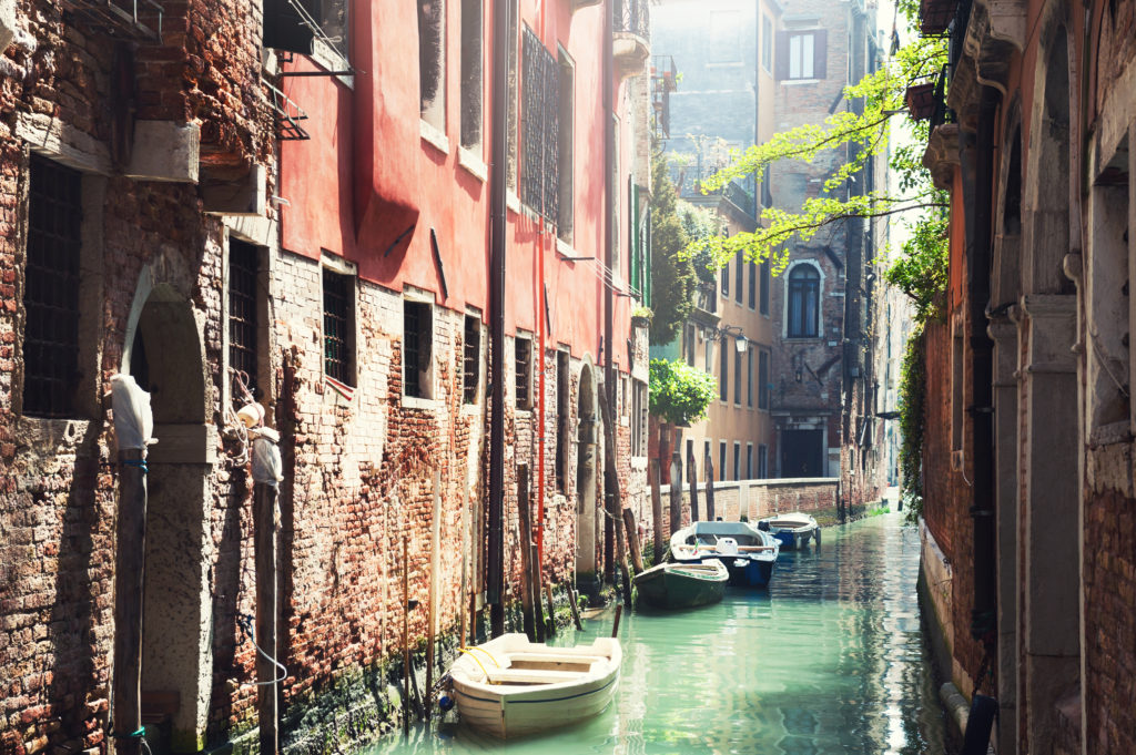 best places to travel alone - scenic venice italy
