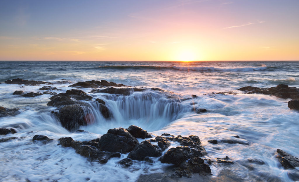 best places to see in america - thor's well