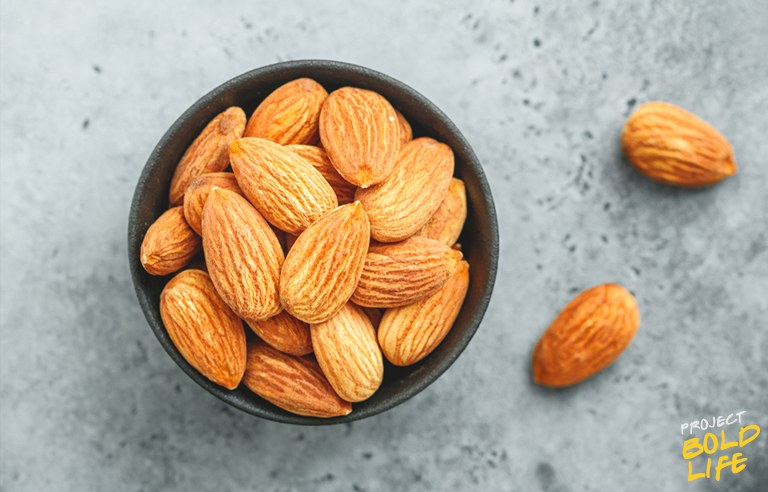 almonds - good foods to eat before bed